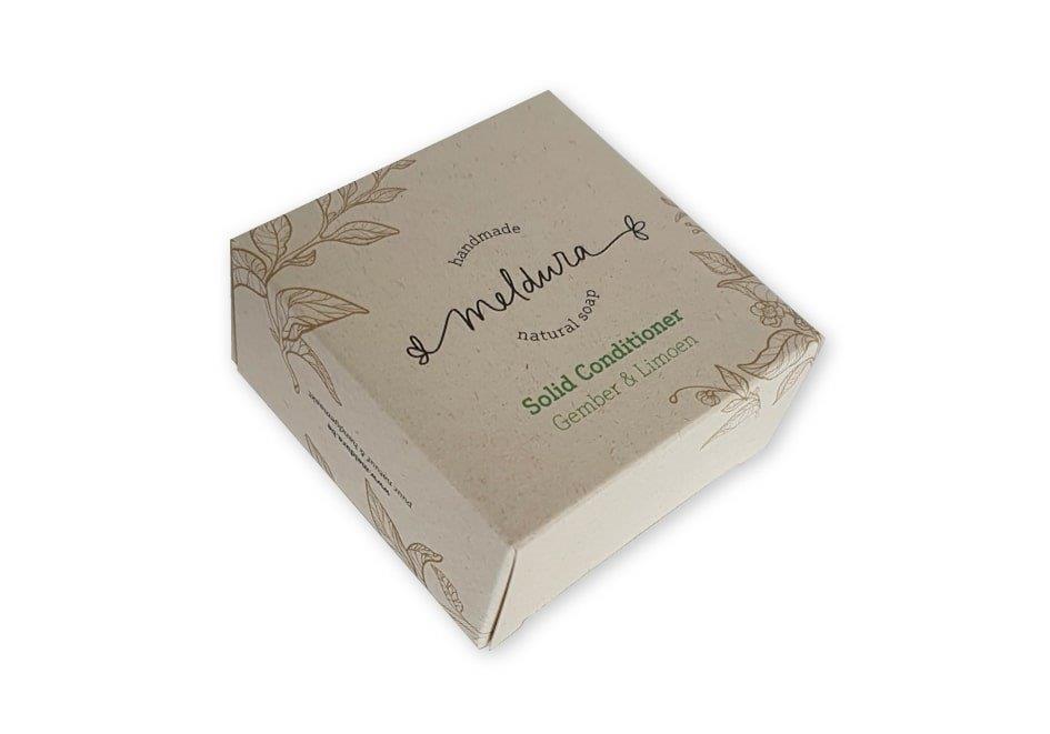 Doosje voor zeep gemaakt van paperwise milieu vriendelijk karton bedrukt met 2 klepjes 70x35x70 mm